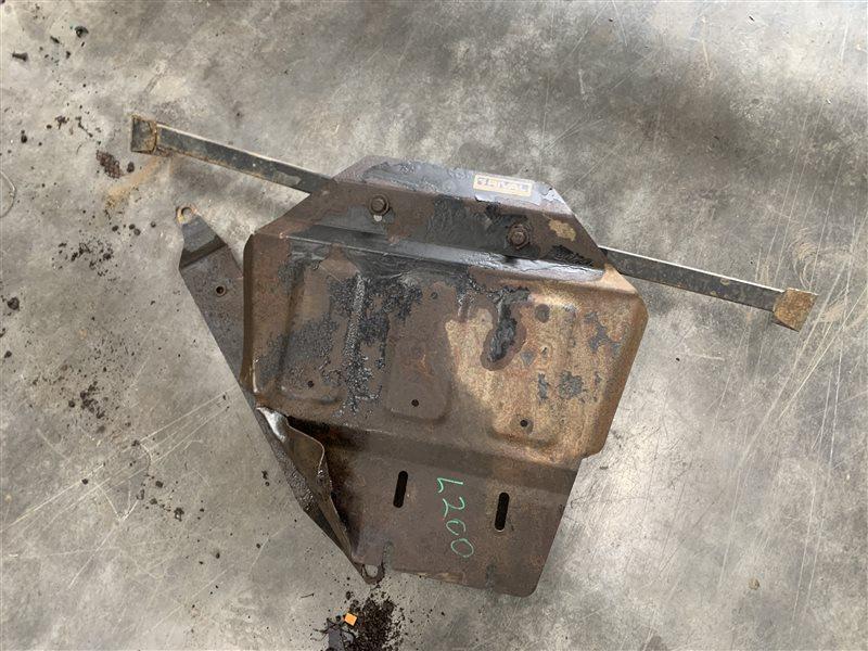 Защита двигателя Mitsubishi L200 Kb4T KB4T 4D56U 2012 (б/у)