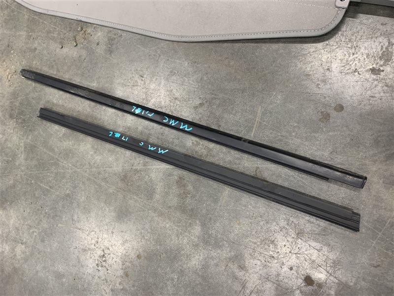 Молдинг стекла Mitsubishi Pajero Sport Kh0 KH0 4D56 2012 передний левый (б/у)