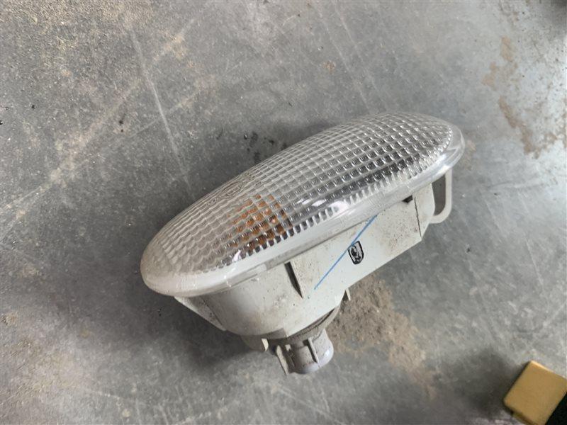 Повторитель в крыло Mitsubishi Pajero Sport Kh0 KH0 4D56 2012 (б/у)