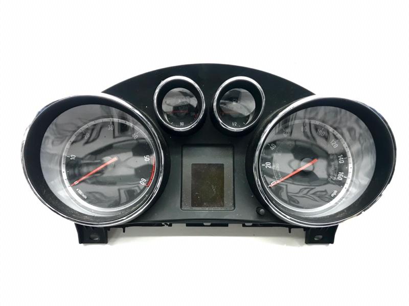 Панель приборов Opel Insignia 0G-A A20DTH 2011 (б/у)