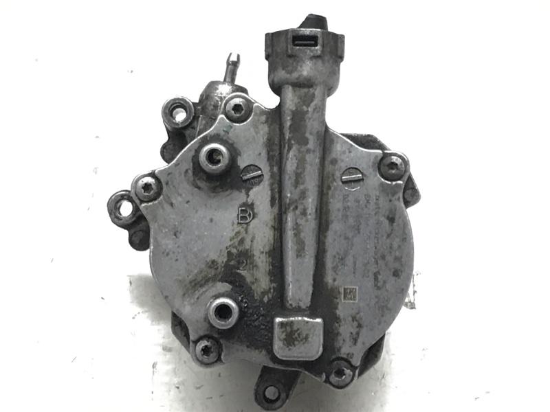 Вакуумный насос Bmw 7 Series F01 N63B44A 2010 (б/у)