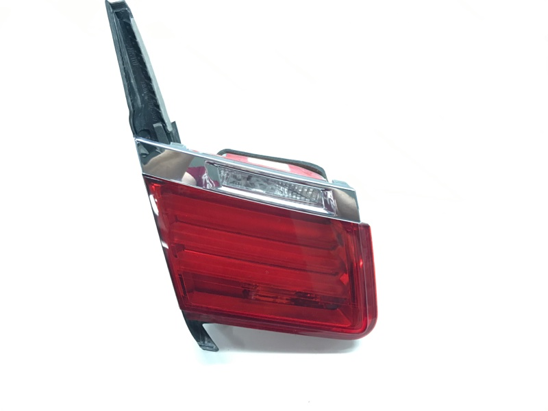 Блок задних фонарей на багажной двери Bmw 7 Series F01 N63B44A 2010 задний левый (б/у)