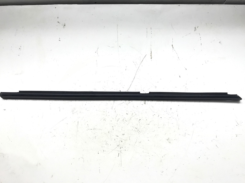 Молдинг на дверь Suzuki Escudo TL52W J20A 2001 задний левый (б/у)