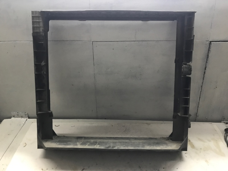 Рамка радиатора Bmw X5 E70 N62B48 2009 (б/у)