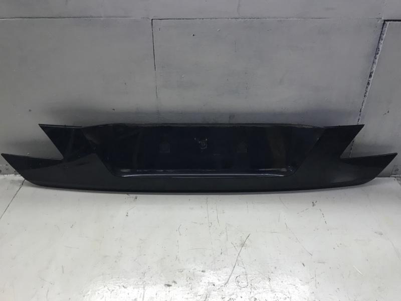 Накладка крышки багажника Bmw 7 Series E66 N73 2006 задняя (б/у)