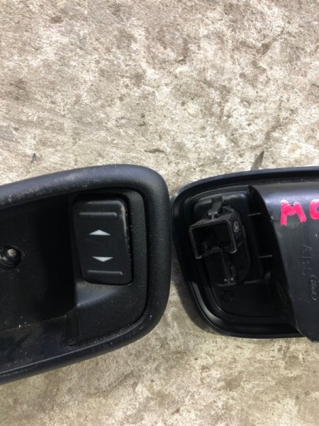 Кнопка стеклоподъемника Ford Mondeo BD 2009 (б/у)