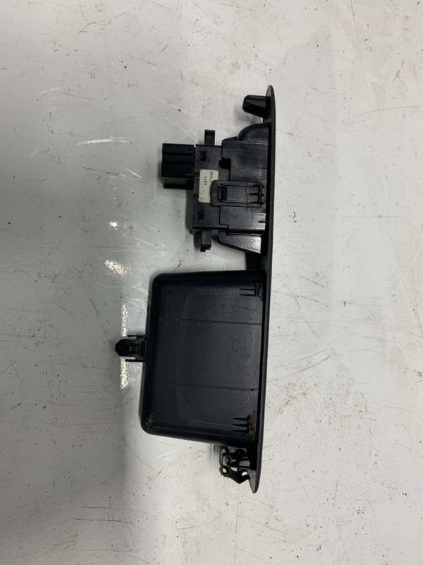 Кнопка стеклоподъемника Nissan Qashqai J10 2009 (б/у)