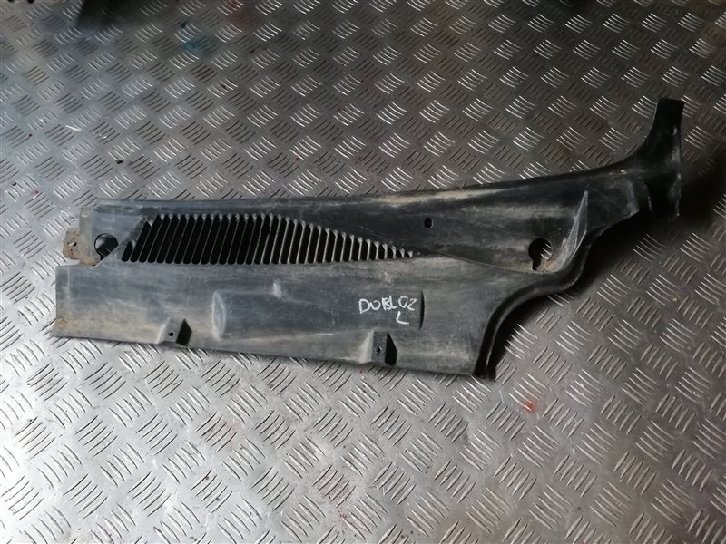 Решетка под лобовое стекло Fiat Doblo 223 350A1000 2011 левая (б/у)