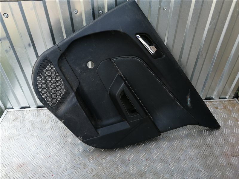 Обшивка двери Opel Astra H Hatchback L48 Z18XER 2008 задняя правая (б/у)