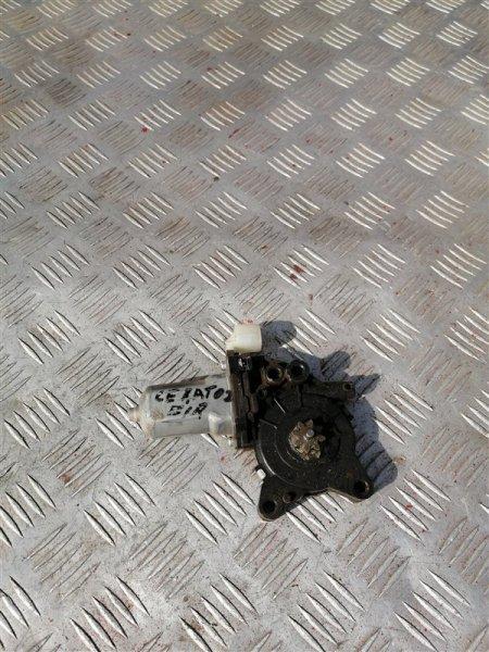 Моторчик стеклоподъемника Kia Cerato 2 TD G4FC 2011 передний правый (б/у)