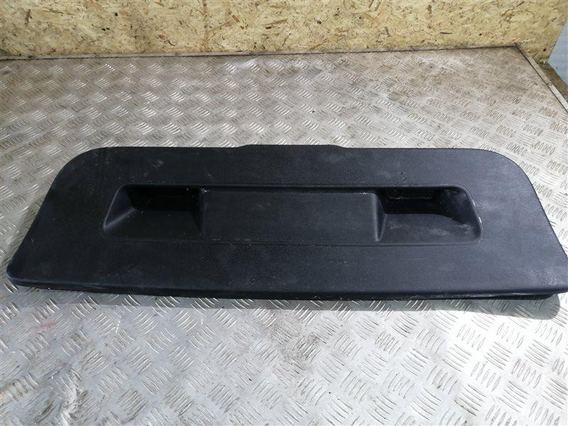 Обшивка крышки багажника Volkswagen Polo 612 CFNA 2013 задняя (б/у)