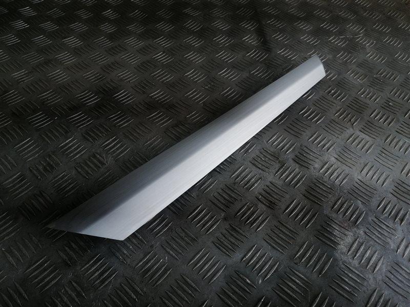 Декоративная накладка Bmw X3 F25 N47D20C 2013 передняя правая (б/у)