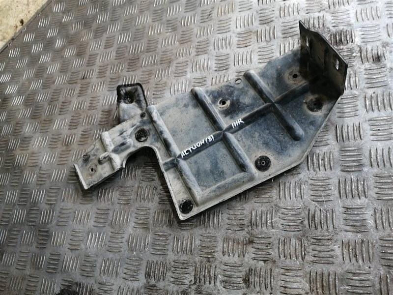 Пыльник двигателя Ssangyong Actyon New CK G20T-001 2014 передний правый (б/у)