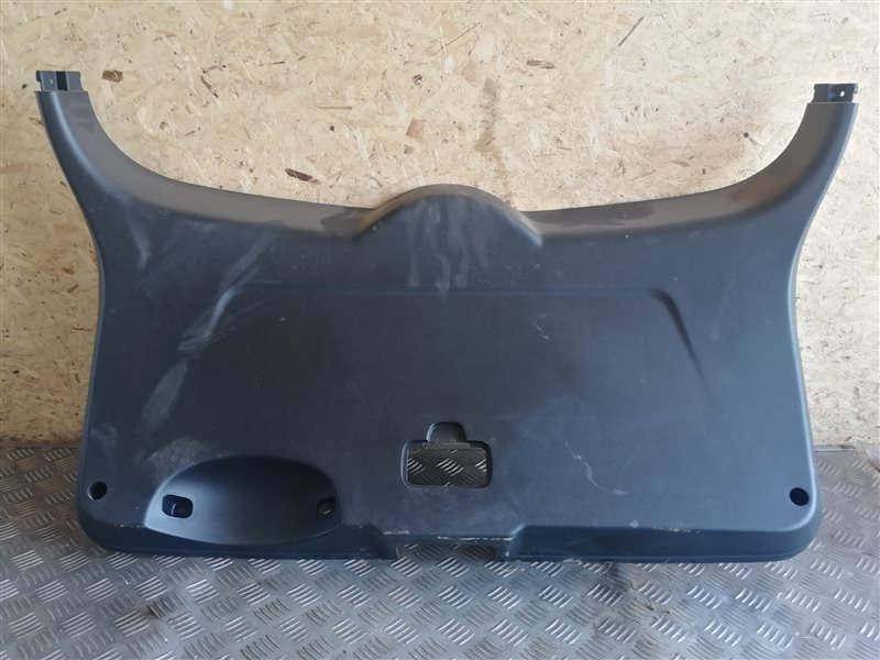 Обшивка крышки багажника Chevrolet Lacetti J200 F14D3 2008 (б/у)