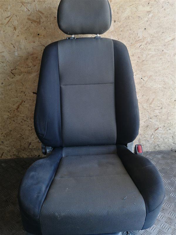 Передние сиденья Chevrolet Lacetti J200 F14D3 2008 переднее правое (б/у)