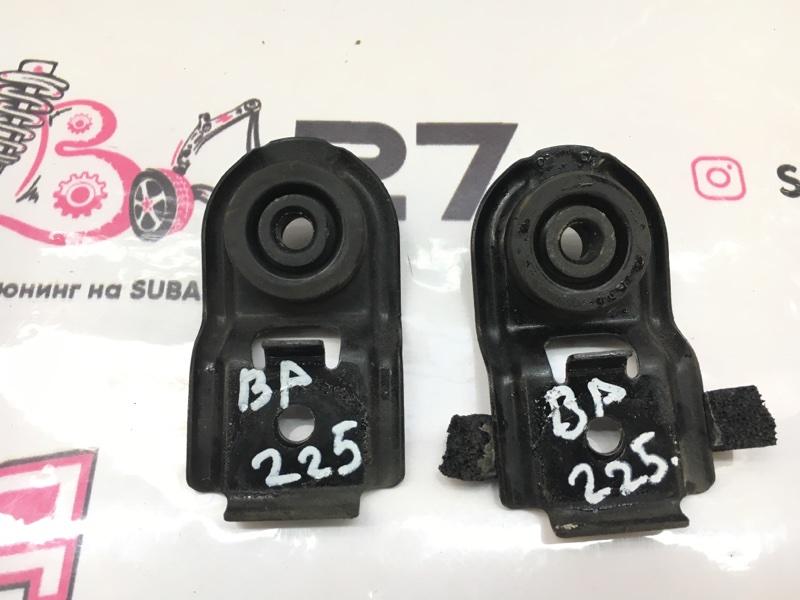 Крепление радиатора Subaru Legacy BP5 EJ20X 2003 (б/у)