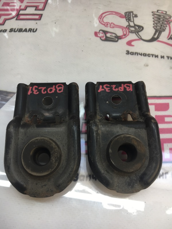 Крепление радиатора Subaru Outback BP9 EJ253 2007 (б/у)