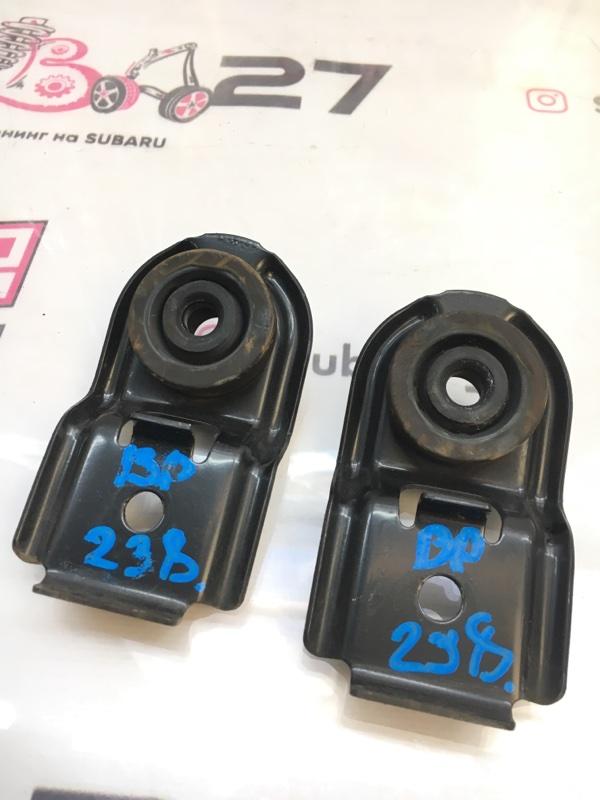 Крепление радиатора Subaru Legacy BP5 EJ204 2005 (б/у)