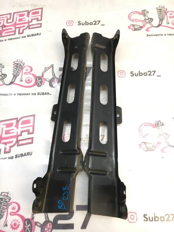 Крепление крыла Subaru Legacy BP5 EJ204 2005 (б/у)