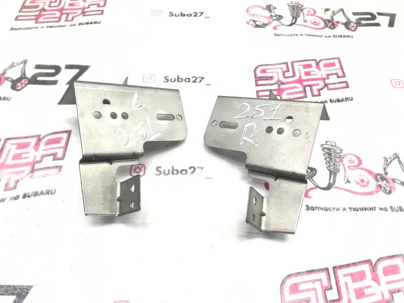 Крепление мультимедиа Subaru Outback BP9 EJ253 2005 (б/у)