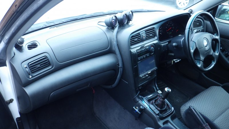 Автомобиль Subaru Legacy B4 BE5 EJ208 2001 года в разбор
