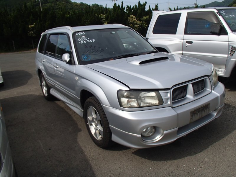 Автомобиль Subaru Forester SG5 EJ205 2002 года в разбор