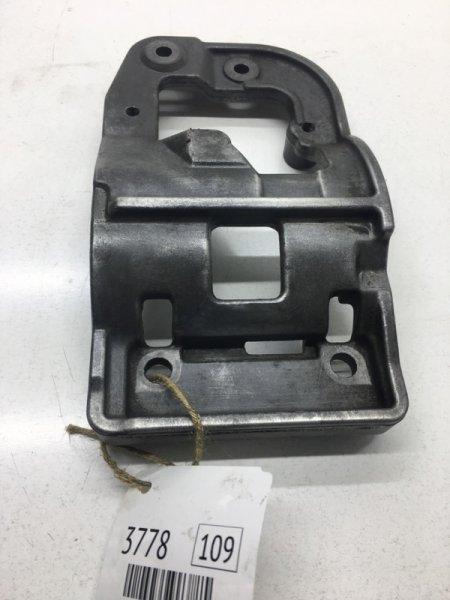Кронштейн компрессора кондиционера Toyota Highlander MCU25L 1MZFE 2001 (б/у)