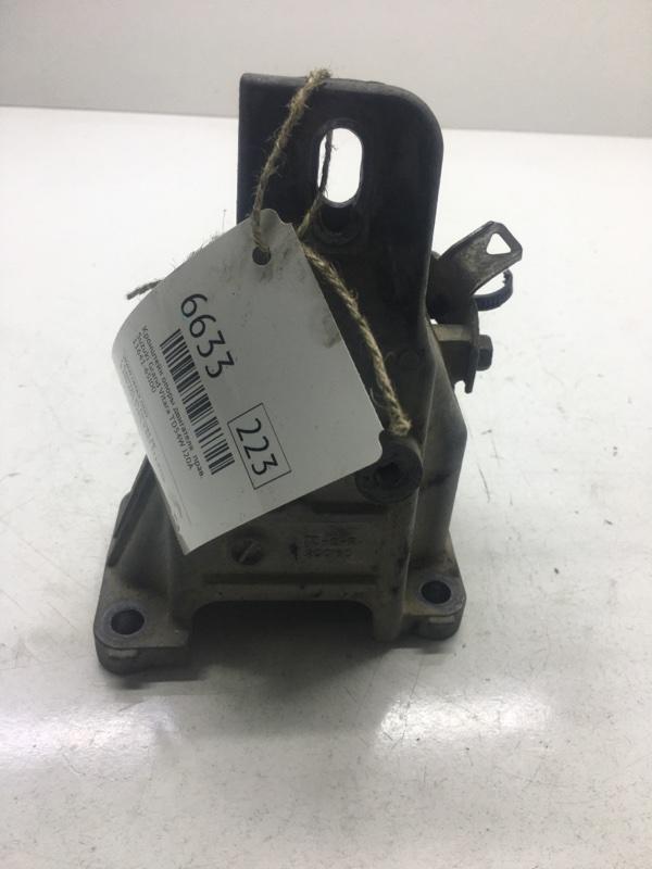 Кронштейн опоры двигателя Suzuki Grand Vitara TD54W J20A правый (б/у)