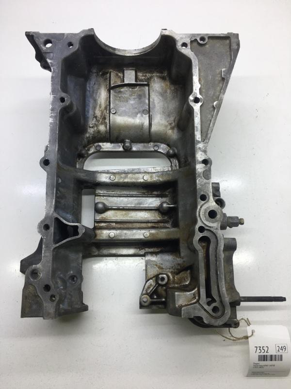 Поддон Toyota Voxy AZR65 1AZFSE (б/у)