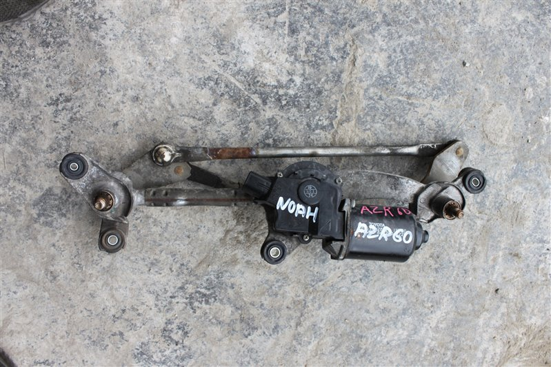 Мотор дворников Toyota Noah AZR60 1AZ-FSE передний (б/у)