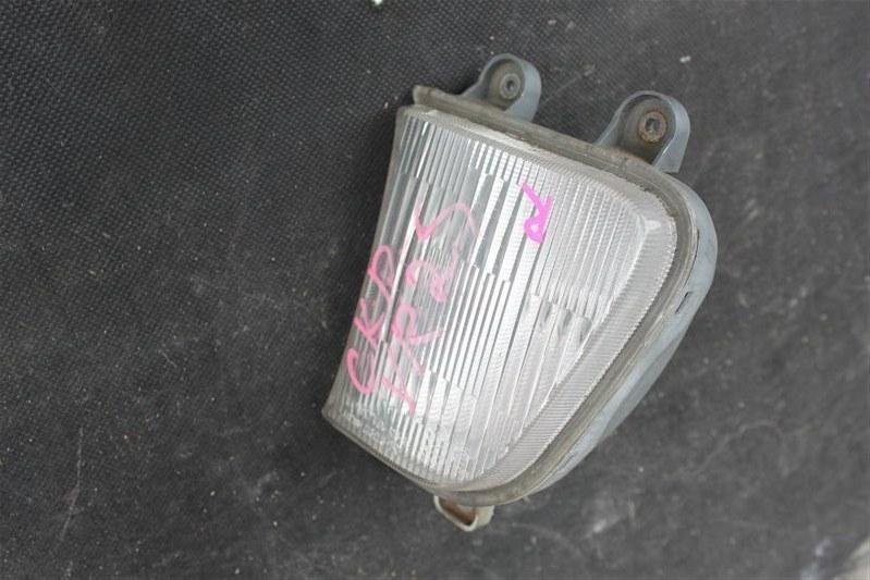 Туманка Toyota Town Ace YR25 передняя правая (б/у)