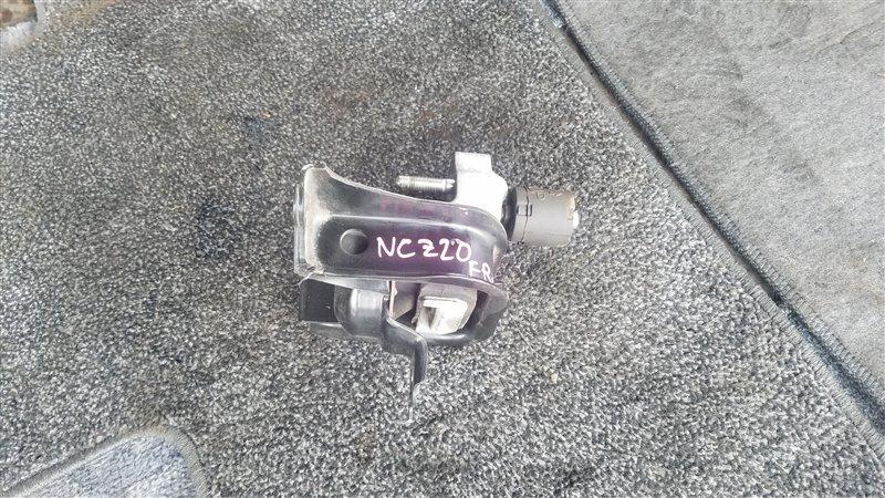 Подушка двигателя Toyota Raum NCZ20 1NZ-FE правая (б/у)
