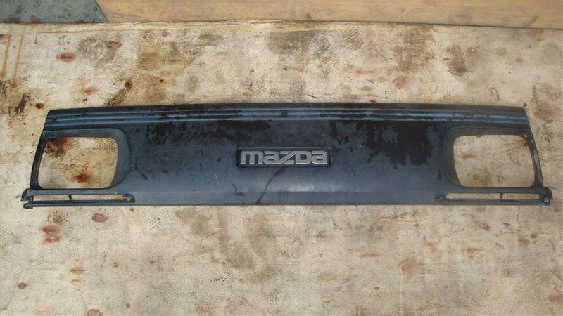 Решетка радиатора Mazda Bongo SE58T (б/у)