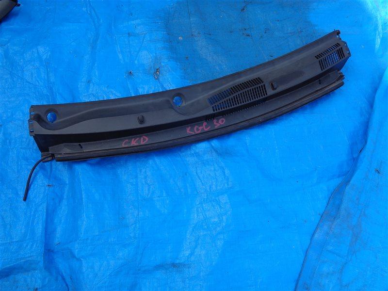 Решетка под лобовое стекло Toyota Passo KGC30 (б/у)