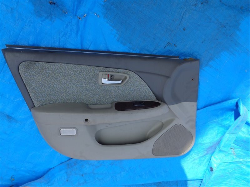 Обшивка дверей Toyota Mark 2 Qualis SXV20 5S-FE передняя левая (б/у)
