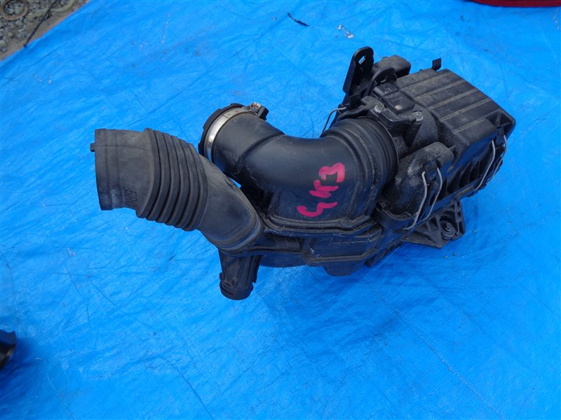 Корпус воздушного фильтра Honda Fit GK3 GP5 GK4 GK5 GK6 GP7 (б/у)