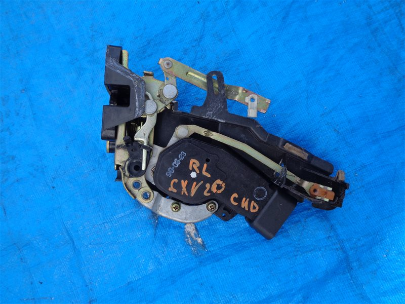 Замок двери Toyota Mark 2 Qualis SXV20 5S-FE задний левый (б/у)