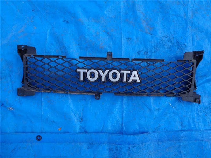Решетка радиатора Toyota Fj Cruiser GSJ15 1GRFE 2014 (б/у)