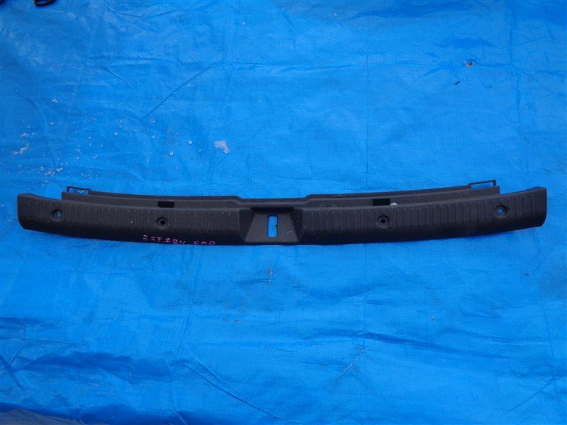 Накладка замка багажника Toyota Corolla Fielder ZZE124 1ZZFE (б/у)