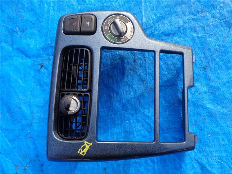 Консоль магнитофона Nissan Terrano TR50 ZD30 (б/у)