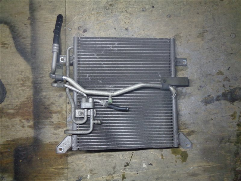 Радиатор кондиционера Mitsubishi Canter FE51CB 4D33 (б/у)
