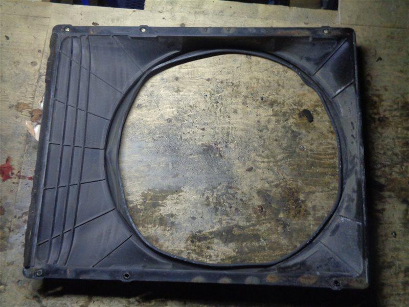 Диффузор радиатора Isuzu Giga CXZ (б/у)