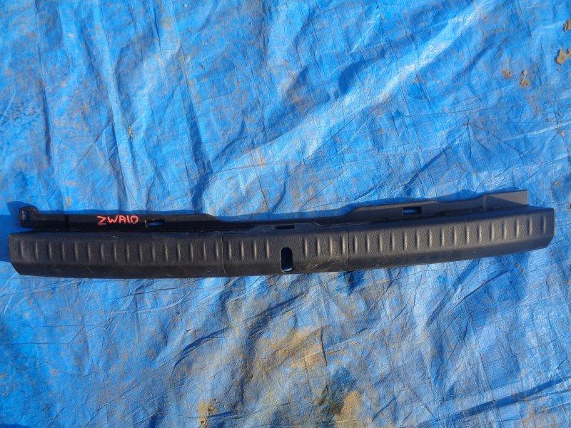 Накладка замка багажника Lexus Ct200H ZWA10 2ZRFXE 07.2011 (б/у)