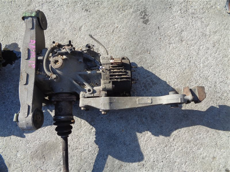 Редуктор Toyota Isis ANM15 1AZFSE задний (б/у)
