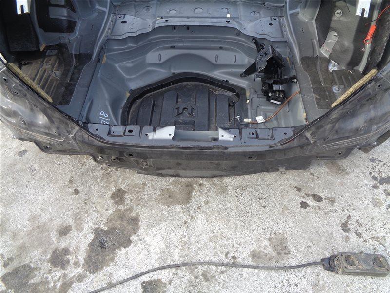 Тазик железный Mercedes Cls 350 C218 276.952 10.2011 (б/у)
