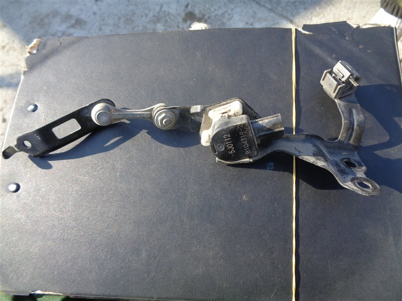 Датчик корректора фар Toyota Vellfire AYH30 2AR-FXE 2015 задний левый (б/у)