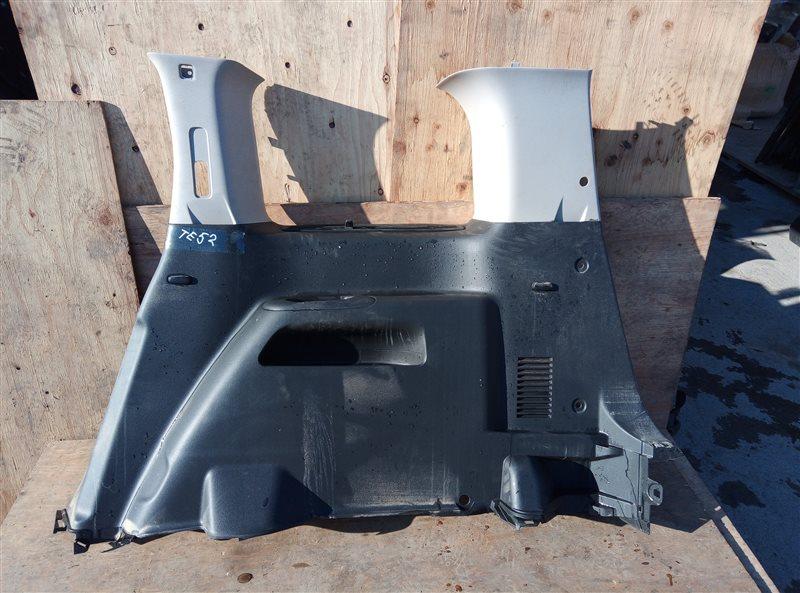 Обшивка багажника Nissan Elgrand TE52 QR25DE 05.2019 задняя правая (б/у)