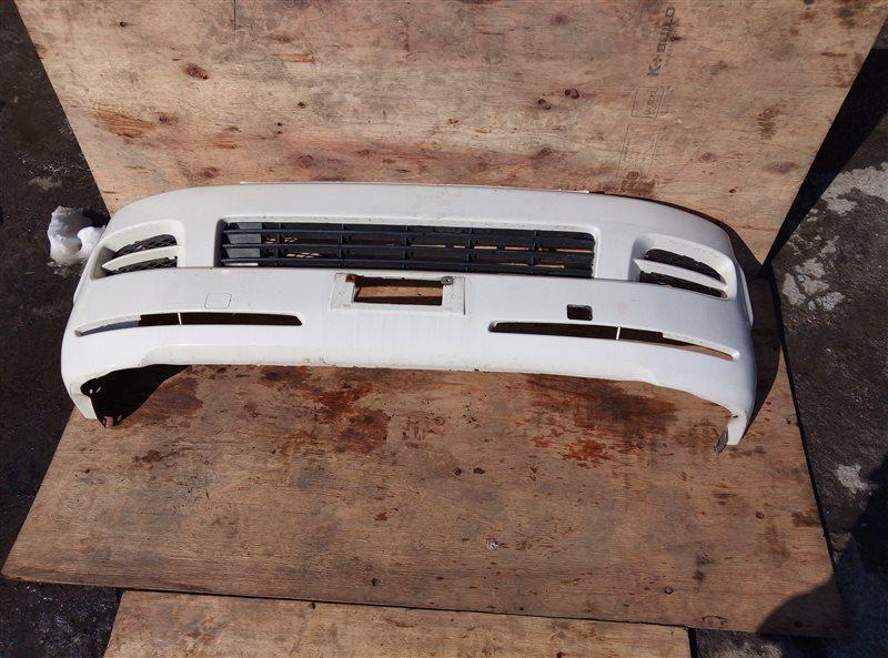 Бампер Toyota Hiace KDH205 2KD-FTV 08.2007 передний (б/у)