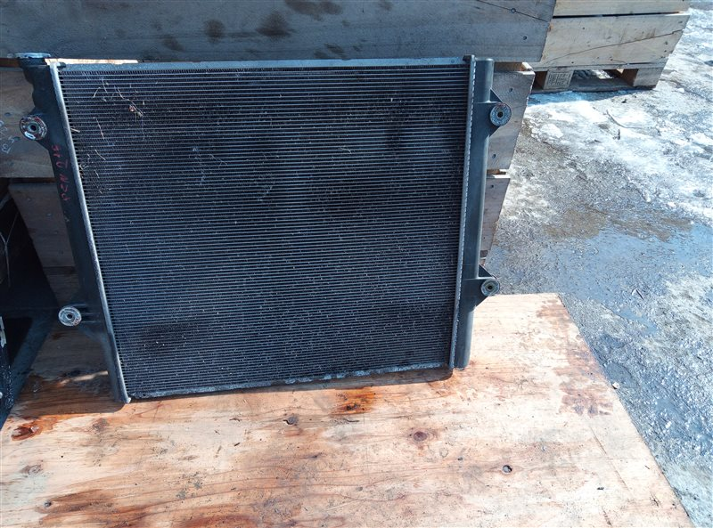 Радиатор основной Toyota Hilux Surf RZN215 3RZ-FE 10.2003 (б/у)