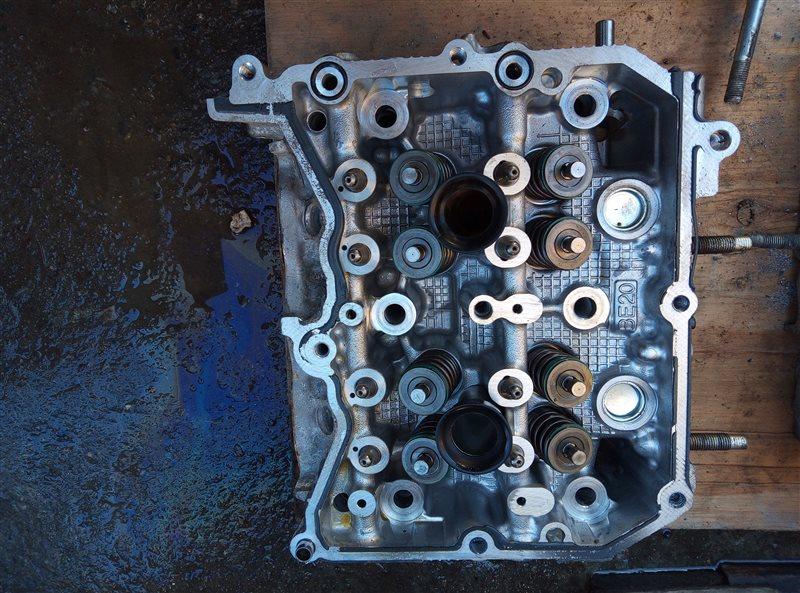 Головка блока цилиндров Subaru Forester SJ5 FB20 правая (б/у)